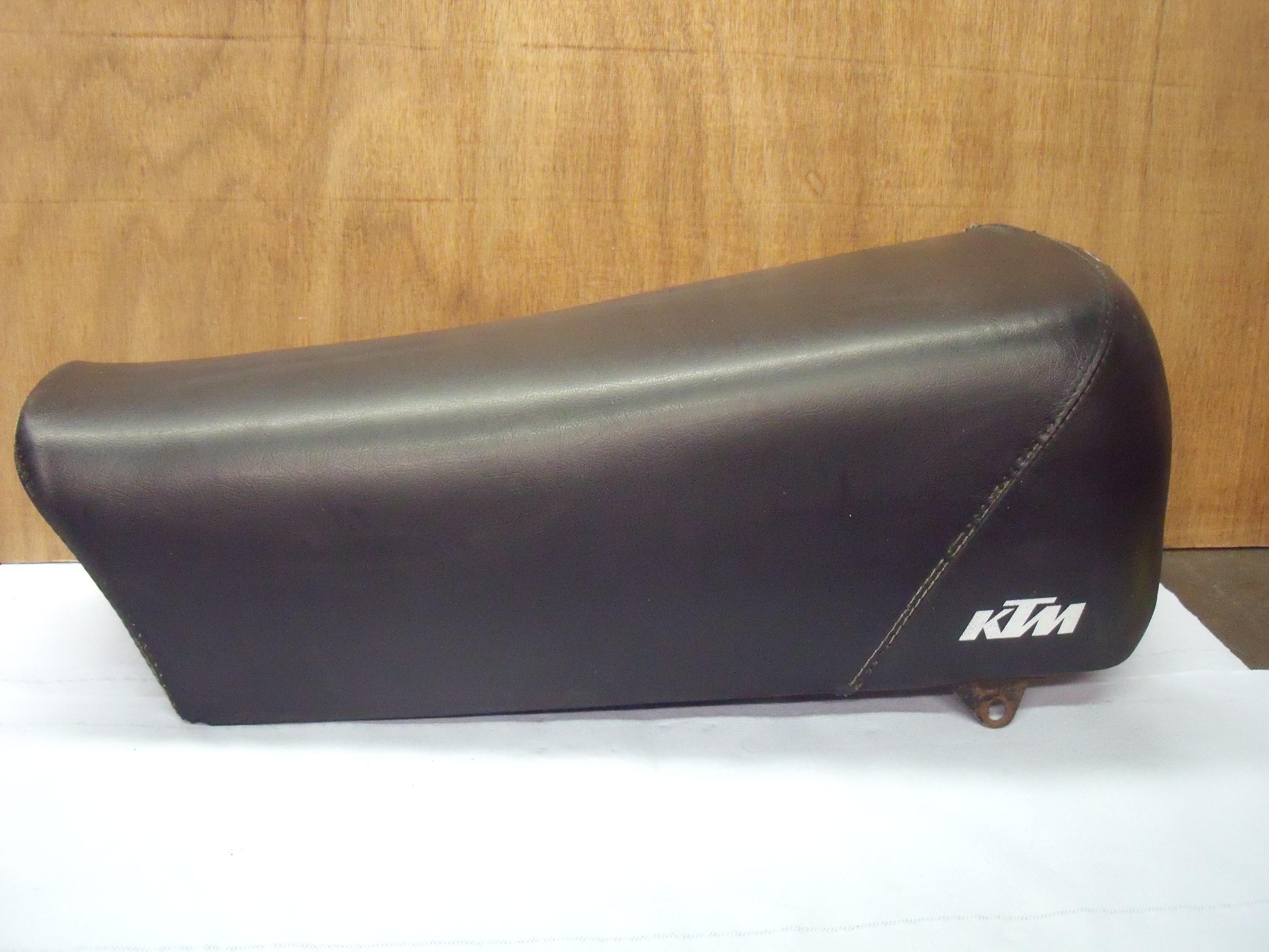KTM buddy seat / 037
