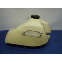 KTM tank / 040