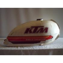 KTM tank / 073