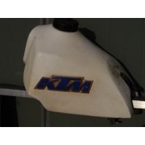 KTM tank / 045