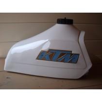 KTM tank / 084